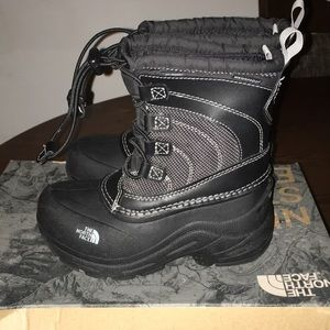 Kids north face boots